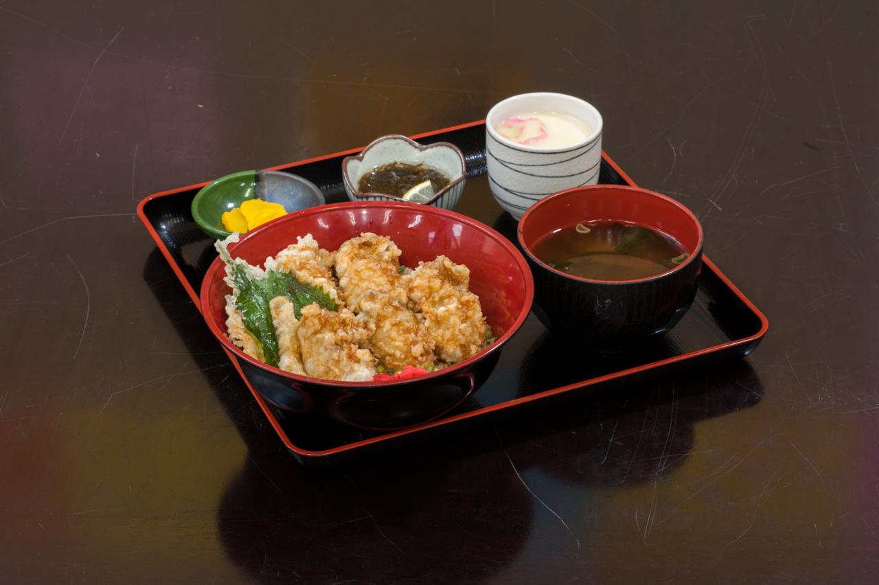カキ天丼ランチ(期間限定)1,300円(税別)