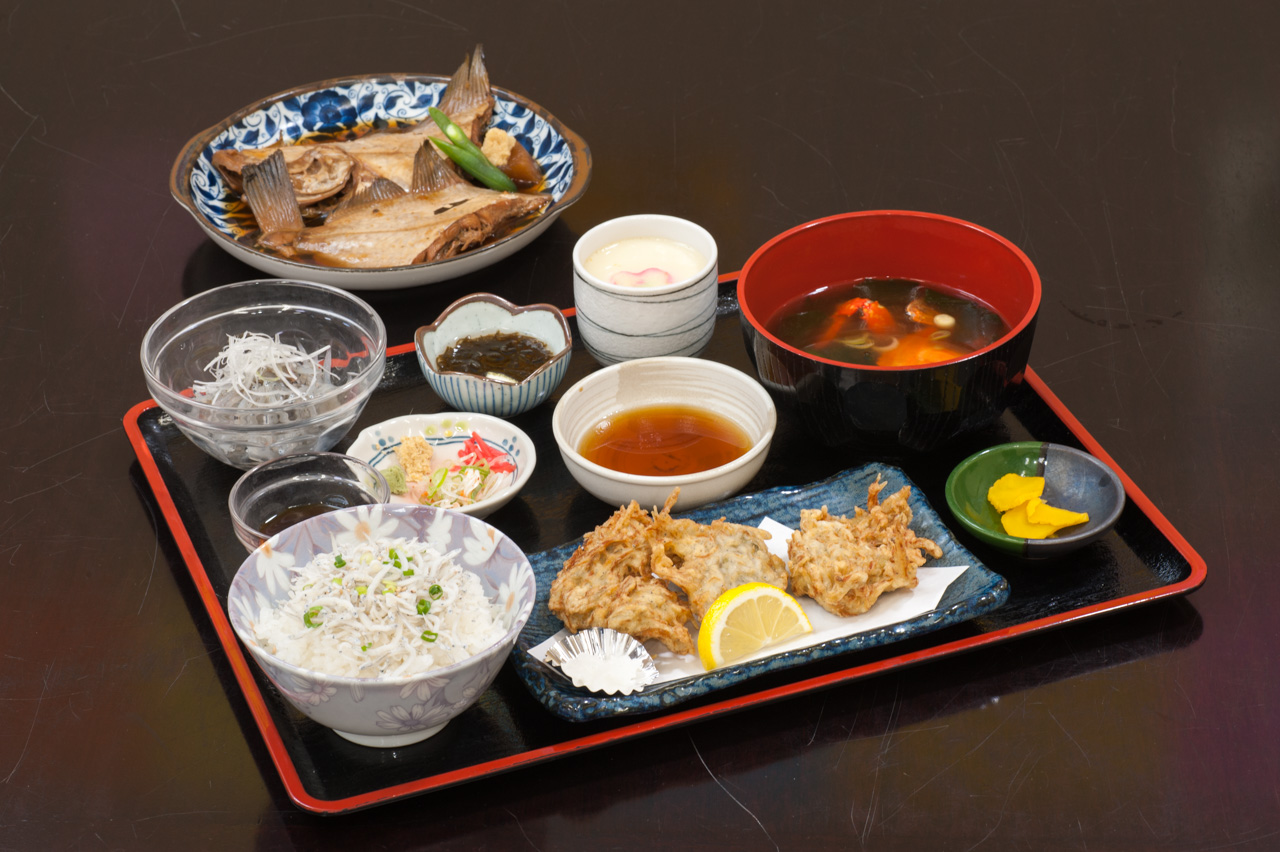よくばり定食 2,800円(税別)