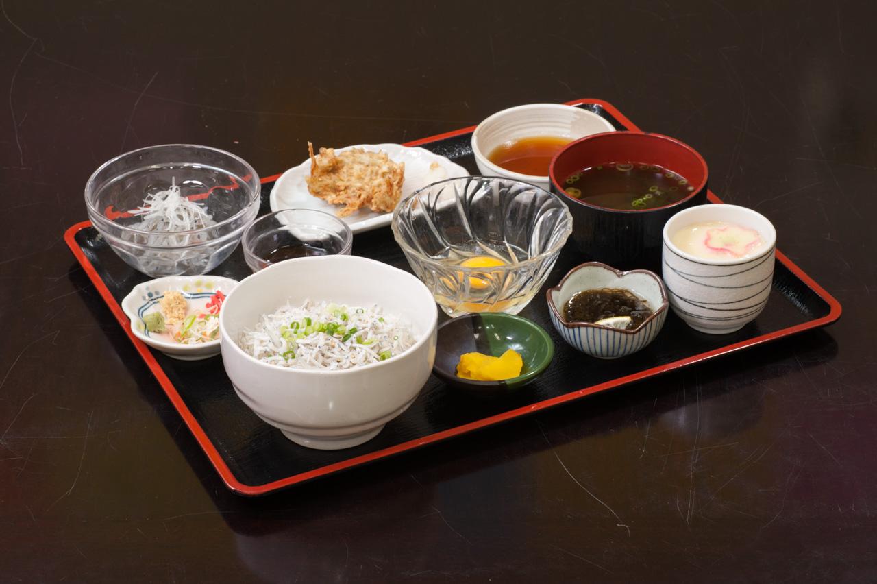 じゃこづくし丼ランチ(数量限定) 1,500円(税別)